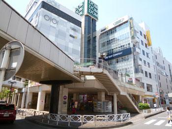 大宮駅西口前のDOM