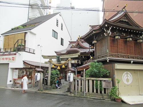 小網神社の建物全景