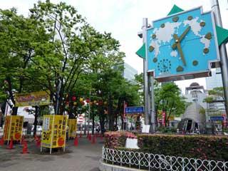 大阪駅前第4ビルの大時計