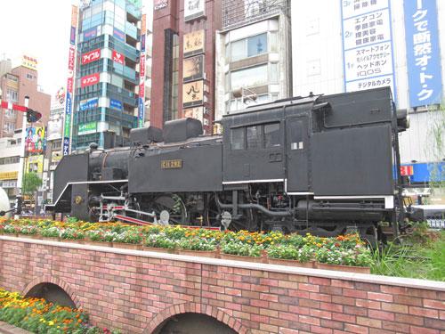 新橋駅駅前広場の蒸気機関車