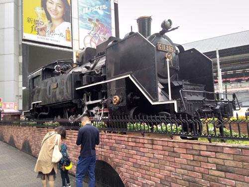 新橋駅名物の蒸気機関車