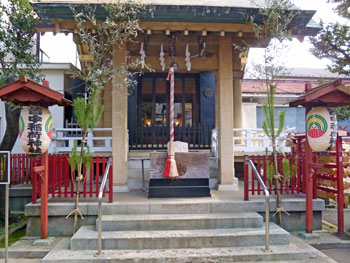 皆中稲荷神社の本殿正面