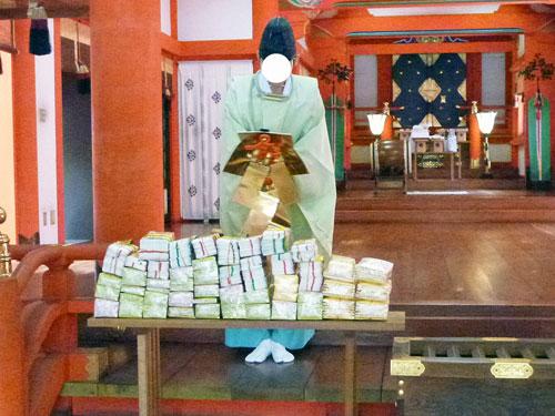 岐阜県の金神社でドリームジャンボ宝くじ高額当選のご祈祷風景