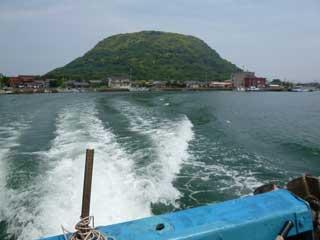 帰りの船から高島に別れを告げます