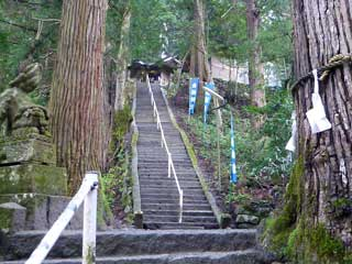 90段もある参道の階段
